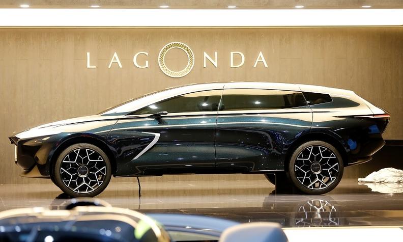 Aston Martin Gives Lagonda Suv Super Yacht Styling