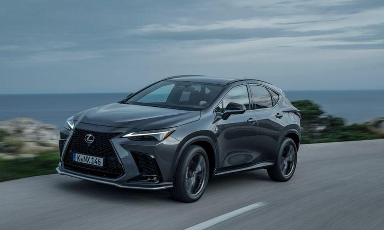 Lexus NX 2021 side