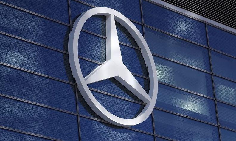 Mercedes badge_1.jpg