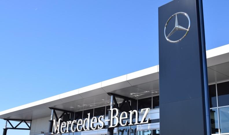 MercedesBenzSign.jpg