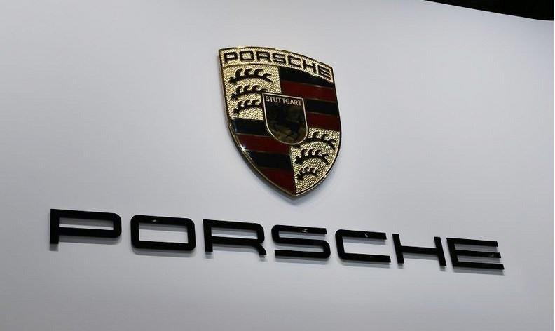 Porsche-MAIN_i.jpg