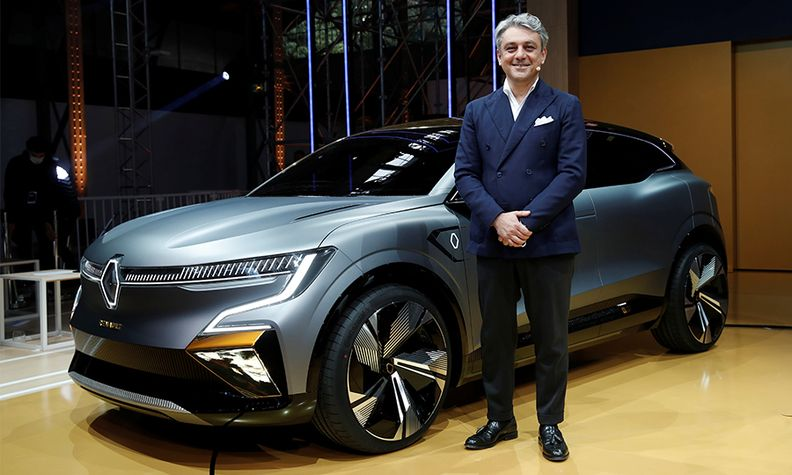 Renault CEO Luca de Meo with the Megane eVision concept.