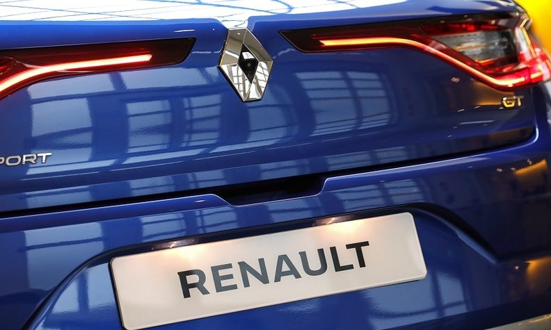 Renault in talks with Nissan and Mitsubishi over new alliance body