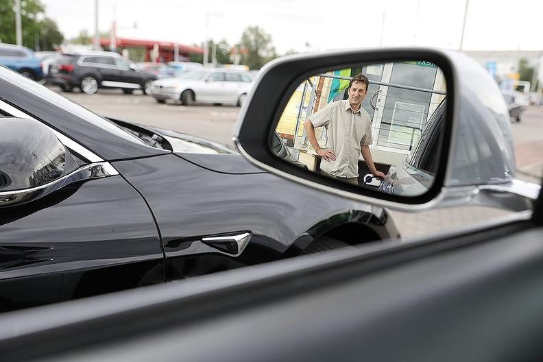Tesla.Germany.jpg