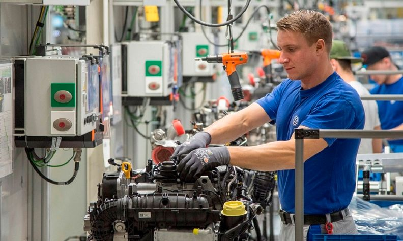 A 1.5-liter EA211 TSI evo gasoline engine is built at VW's Salzgitter plant in Germany.