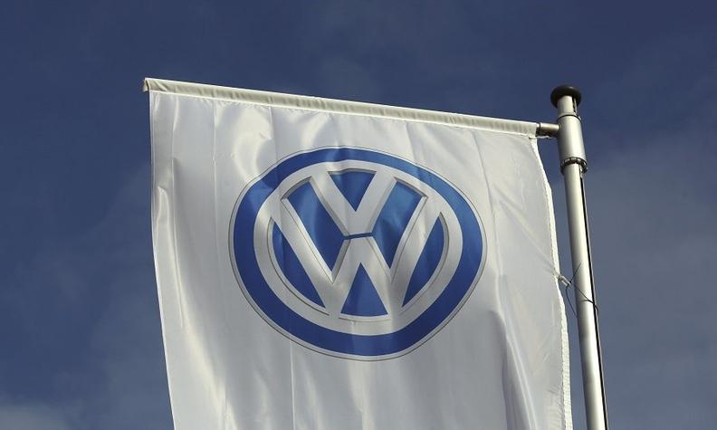 VW sign rtrs web.jpg